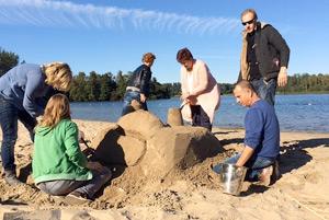 Zandsculpturen bouwen | Puur* Beachevents.nl